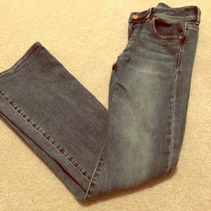 EUC Size 6 American Eagle Artist Jeans